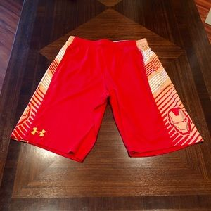 Boys Marvel Under Armour shorts